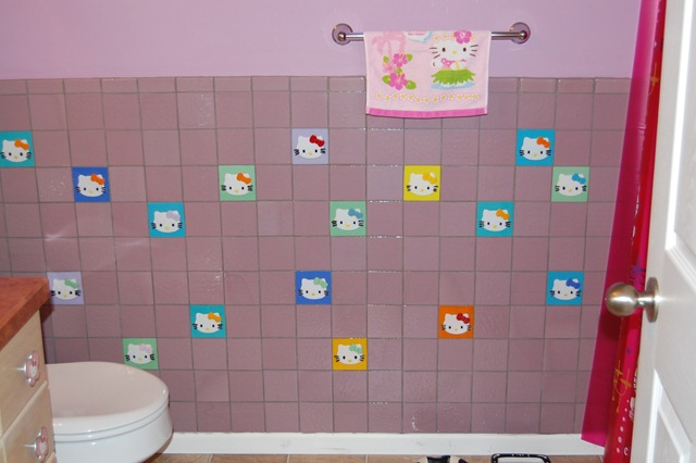 24 lastest hello kitty bathroom tiles. Black Bedroom Furniture Sets. Home Design Ideas